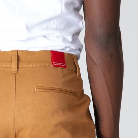 163 Chino Flexdenim Camel zoom