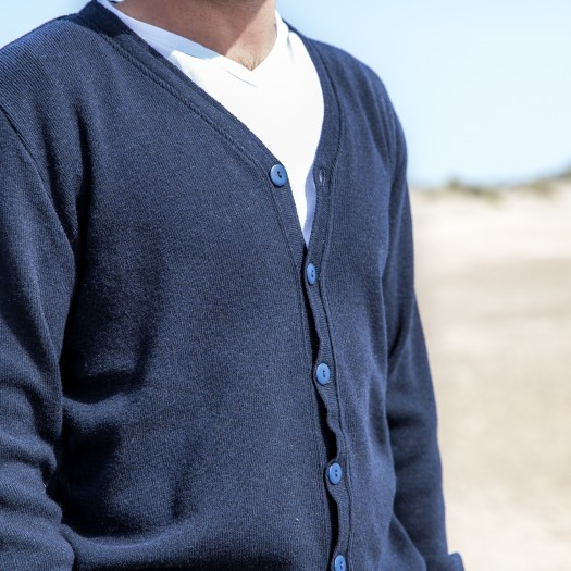718 Cardigan Homme Volontaire Bleu Ambiance Col